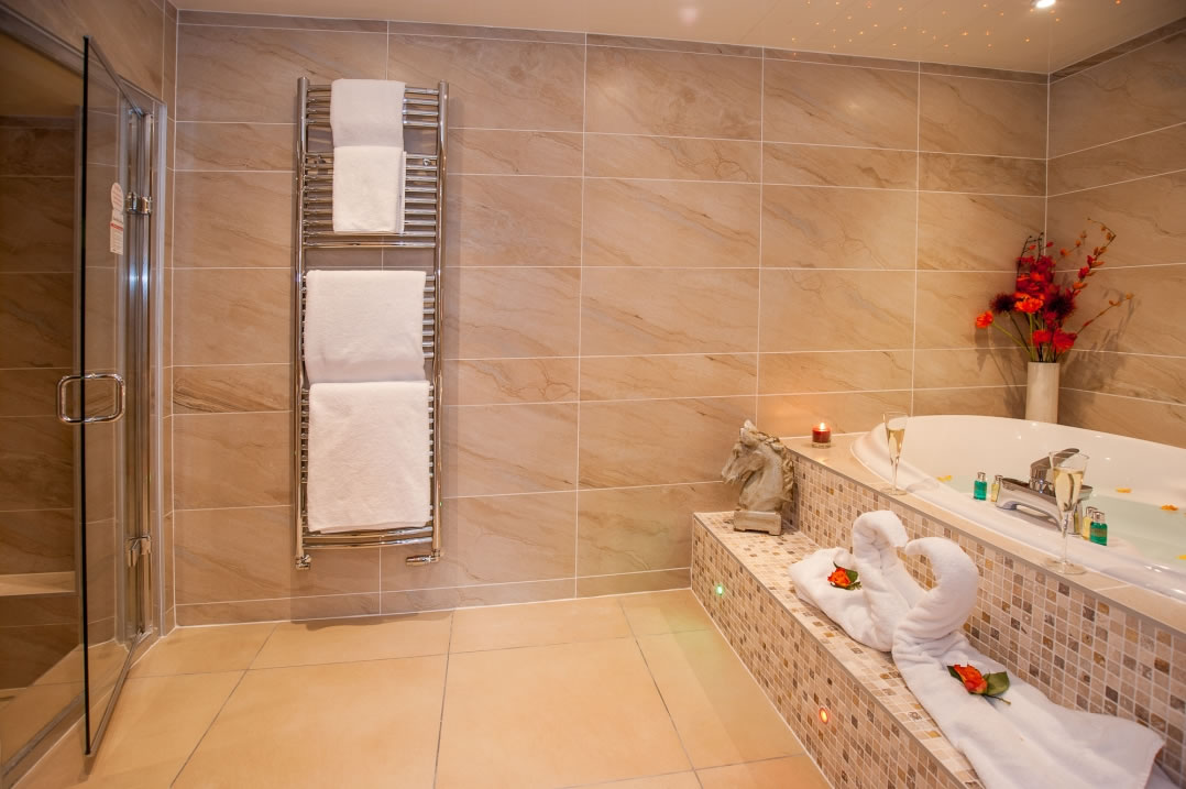 Ti Amo Suite With Hot Tub And Spa Bathroom Windermere